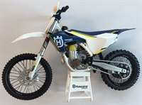 Mini model husqvarna crosser